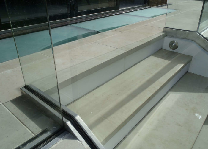 Garden Glass Balustrades 15